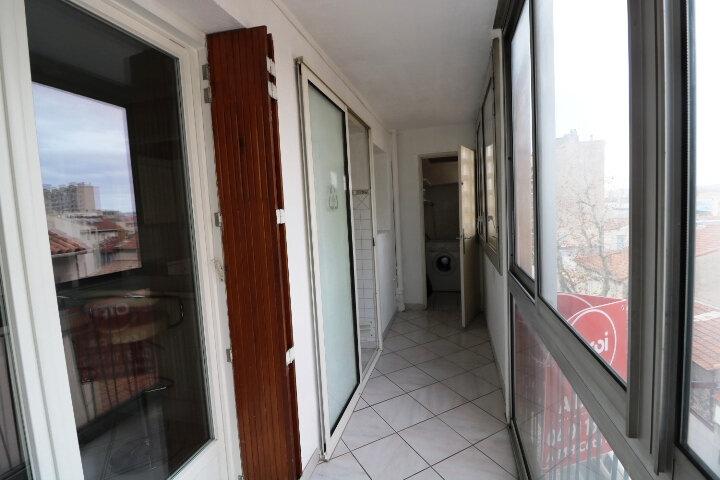 Appartement à louer 3 67.85m2 à Marseille 14 vignette-6