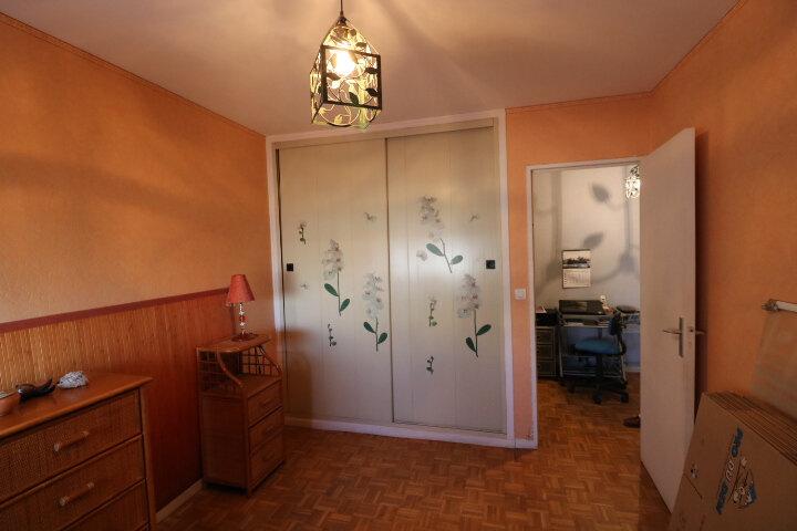 Appartement à louer 3 72.96m2 à Marseille 8 vignette-6