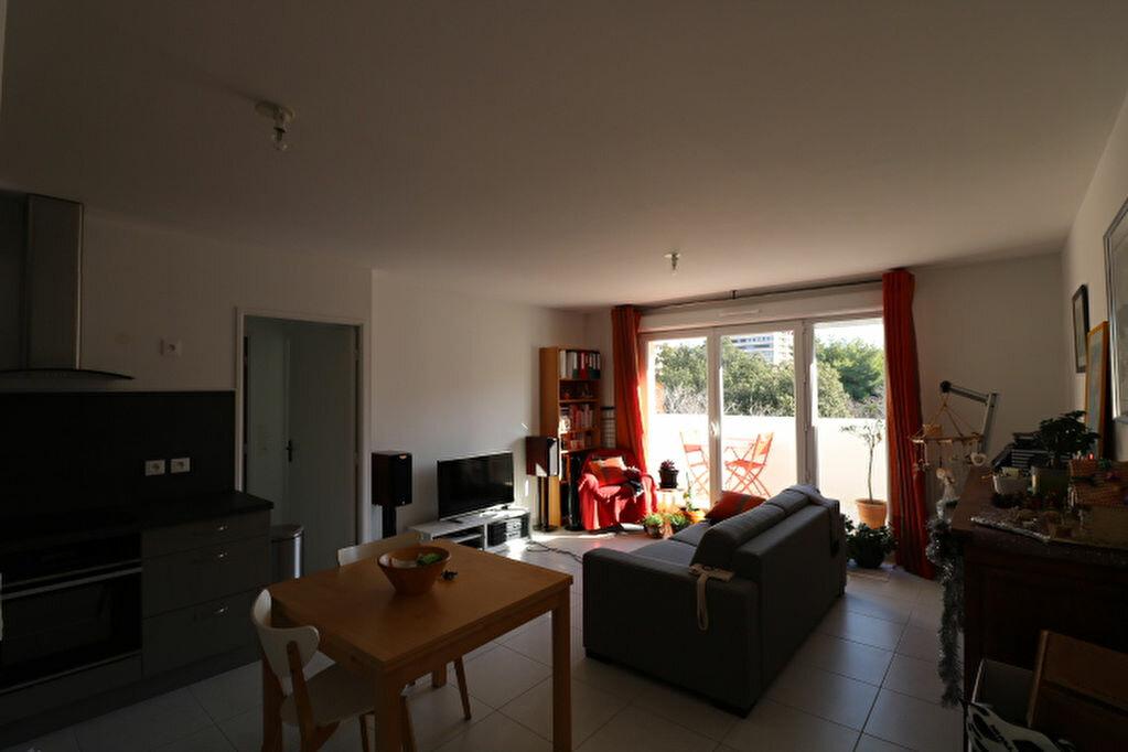 Appartement à louer 2 46.13m2 à Marseille 8 vignette-4