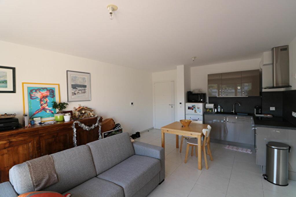 Appartement à louer 2 46.13m2 à Marseille 8 vignette-7