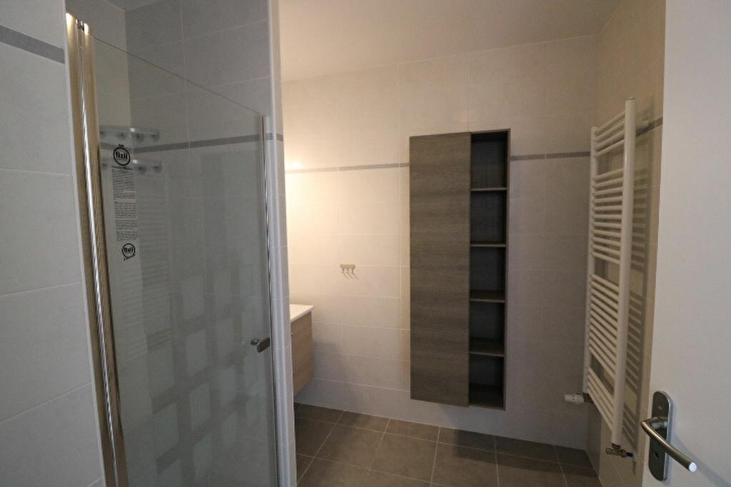 Appartement à louer 2 46.13m2 à Marseille 8 vignette-9
