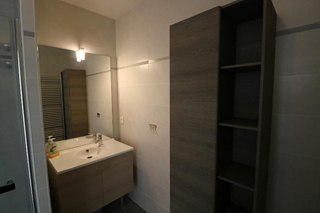 Appartement à louer 2 46.13m2 à Marseille 8 vignette-10