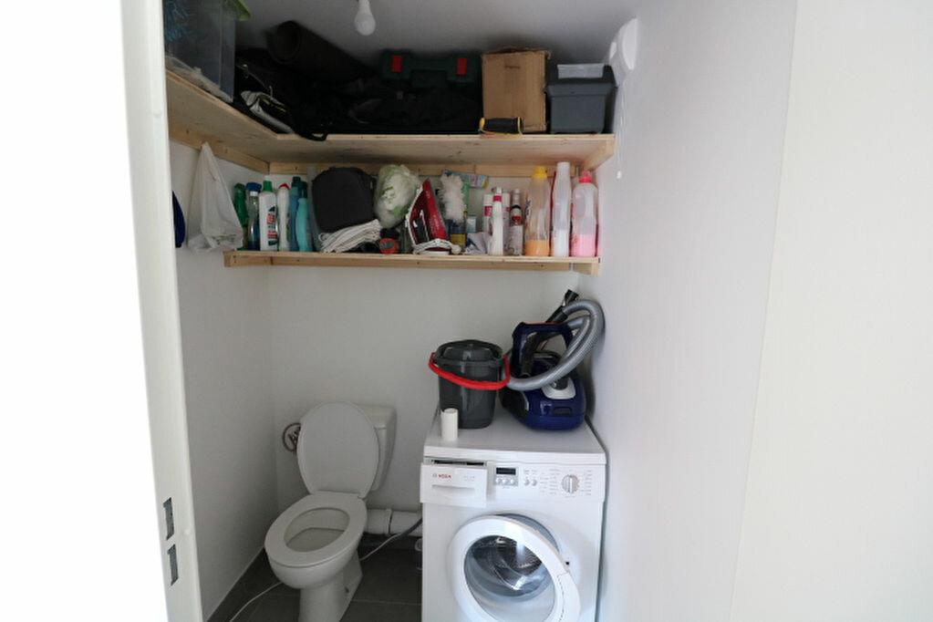 Appartement à louer 2 46.13m2 à Marseille 8 vignette-11