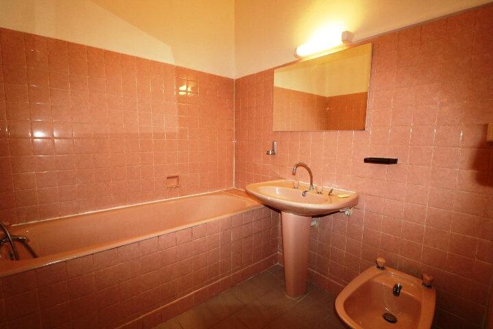Appartement à louer 3 63.22m2 à Marseille 6 vignette-5