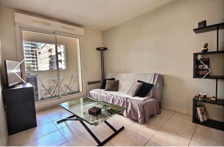 Appartement à louer 2 32.42m2 à Marseille 8 vignette-3