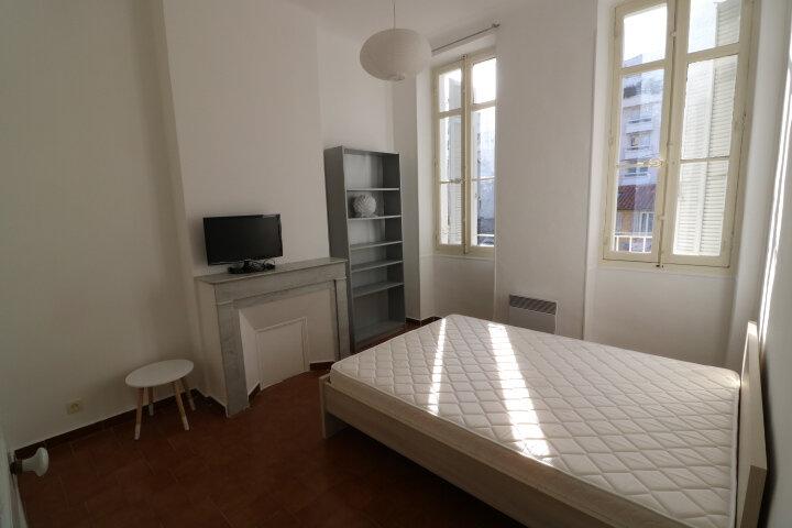 Appartement à louer 2 41.6m2 à Marseille 8 vignette-5