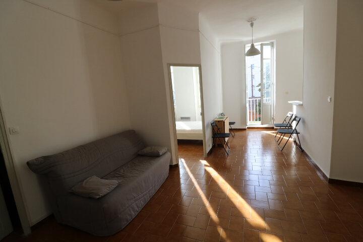 Appartement à louer 2 41.6m2 à Marseille 8 vignette-7