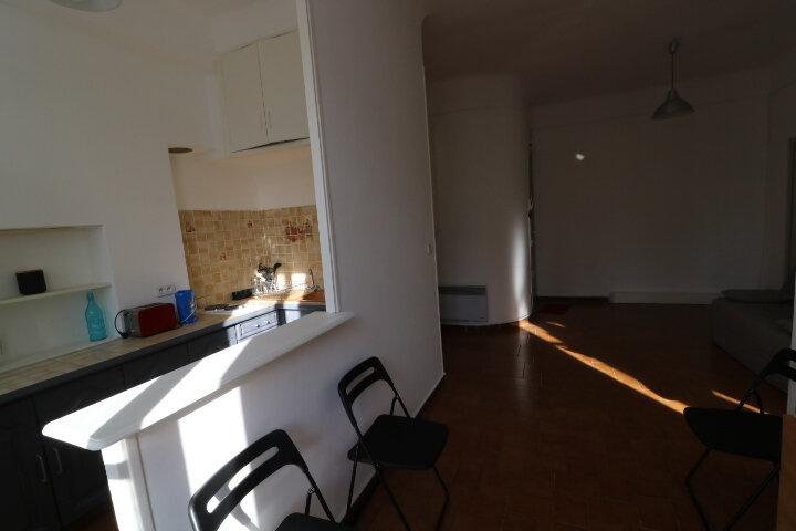 Appartement à louer 2 41.6m2 à Marseille 8 vignette-8