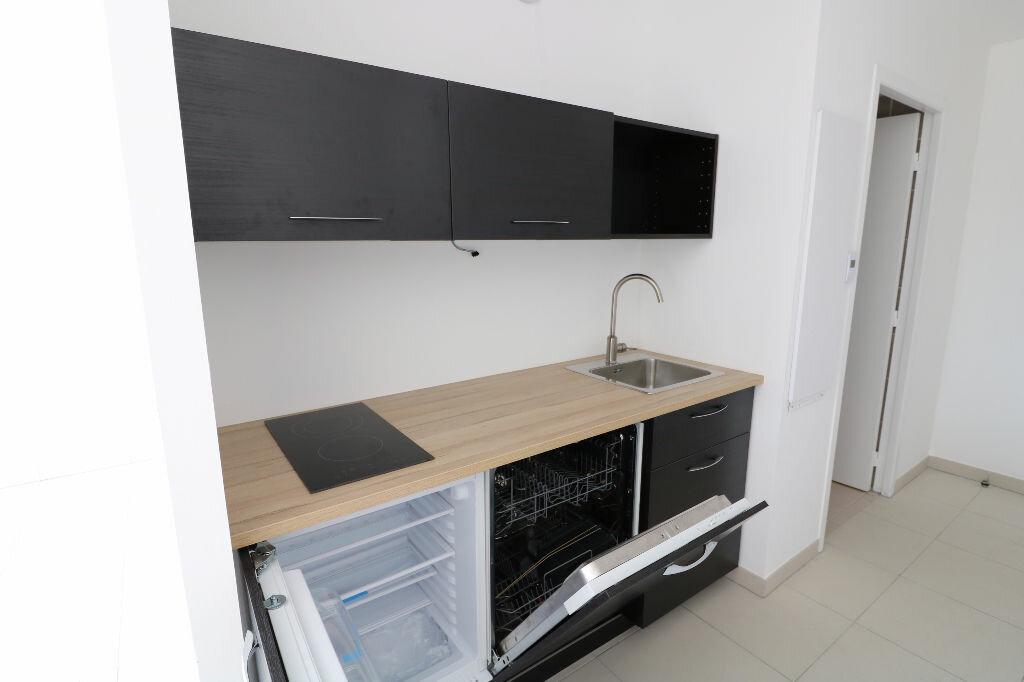 Appartement à louer 1 31m2 à Marseille 9 vignette-4