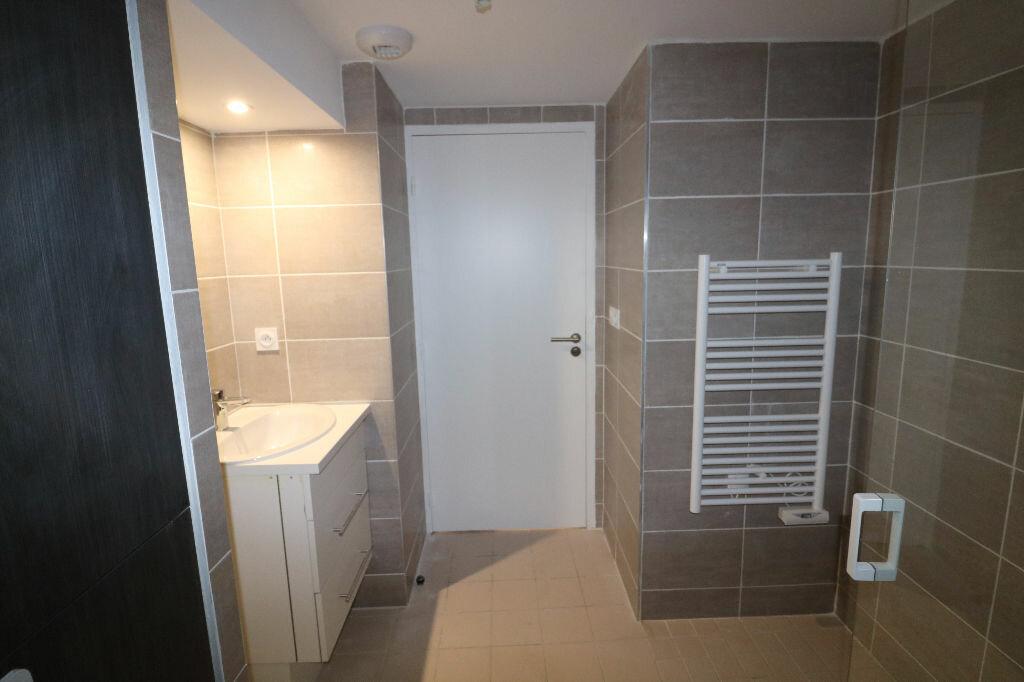 Appartement à louer 1 31m2 à Marseille 9 vignette-6