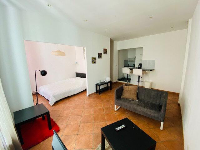 Appartement à louer 1 31.22m2 à Marseille 8 vignette-2