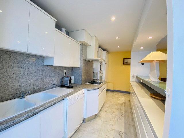 Appartement à louer 3 97.97m2 à Marseille 8 vignette-2