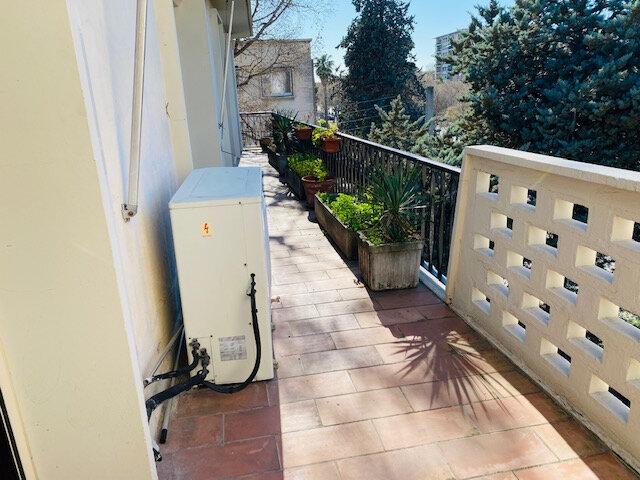 Appartement à louer 3 97.97m2 à Marseille 8 vignette-8