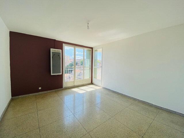 Appartement à louer 3 58.65m2 à Marseille 3 vignette-1