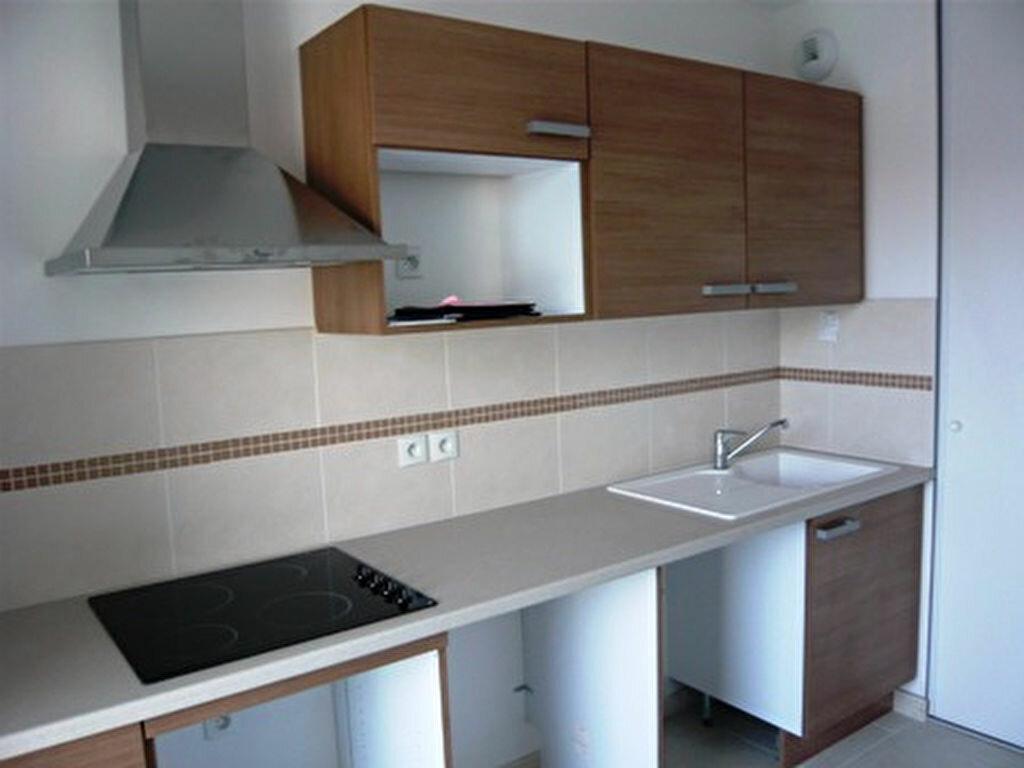 Appartement à louer 3 66m2 à Marseille 9 vignette-6