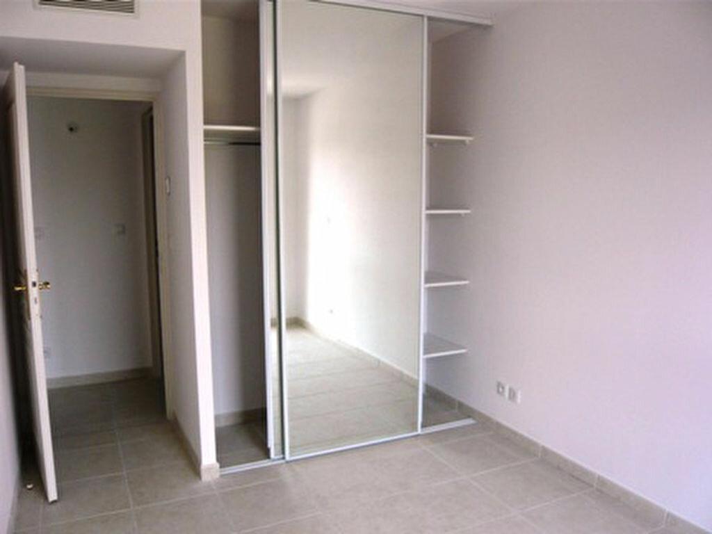 Appartement à louer 3 66m2 à Marseille 9 vignette-8