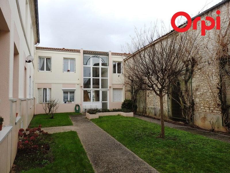 Appartement à louer 3 66m2 à Saujon vignette-1