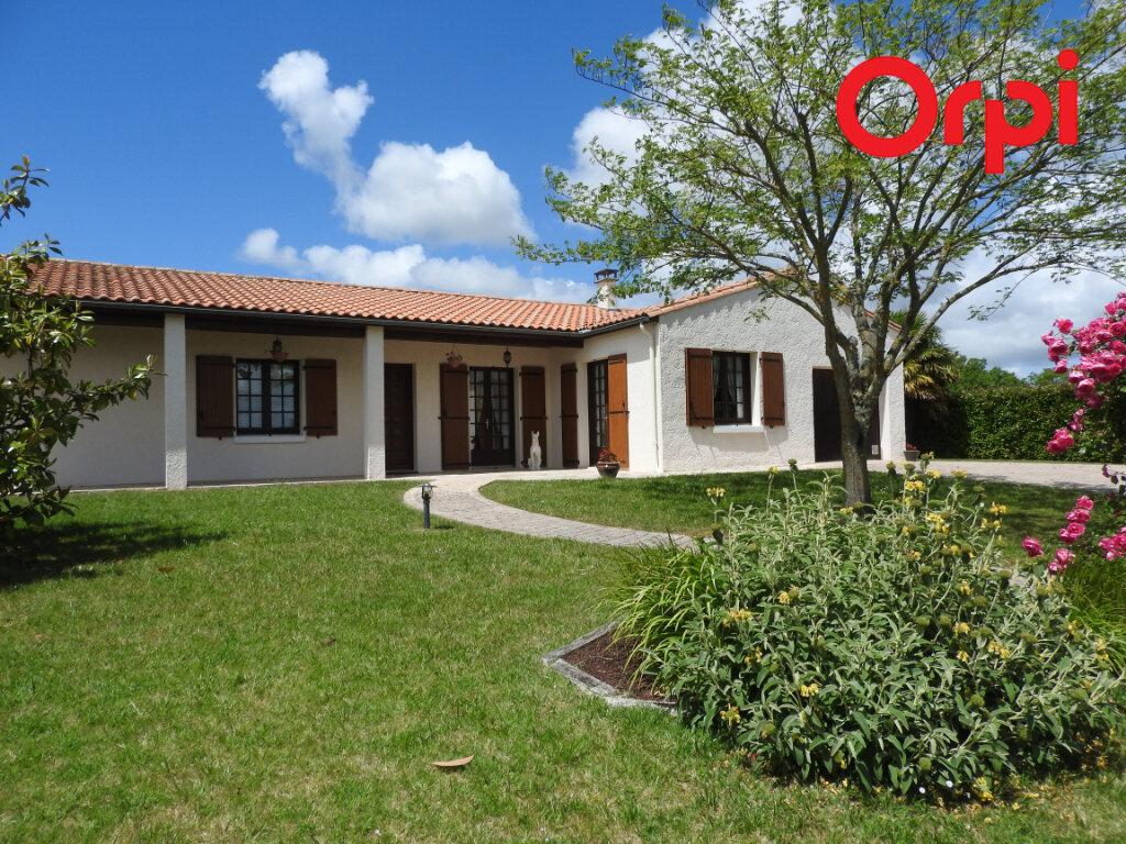 Maison à vendre 5 125.9m2 à Corme-Écluse vignette-1
