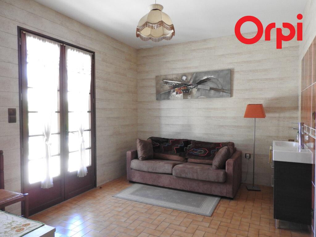 Maison à vendre 5 125.9m2 à Corme-Écluse vignette-6