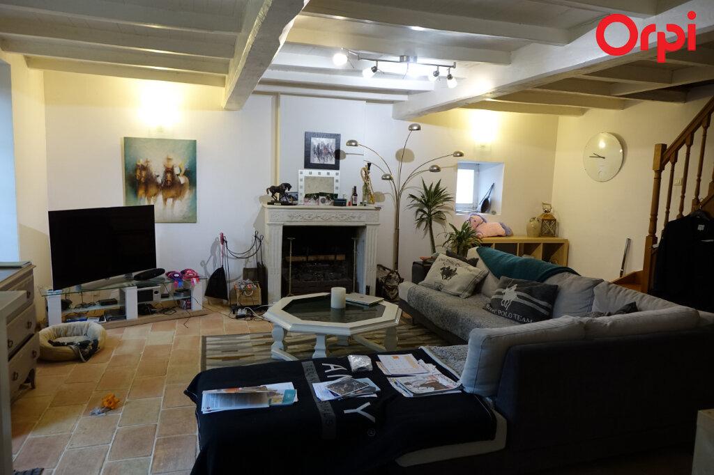 Maison à vendre 5 145.68m2 à Rétaud vignette-1