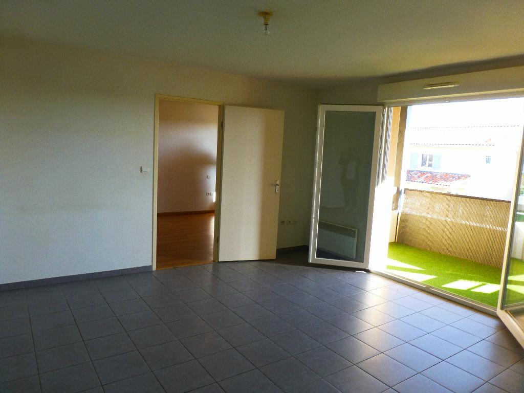 Appartement à louer 2 47.34m2 à Daux vignette-3