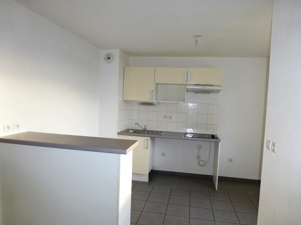 Appartement à louer 3 68.24m2 à Daux vignette-2