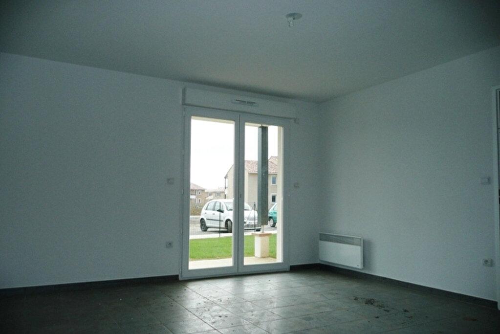 Appartement à louer 2 42.87m2 à Daux vignette-2