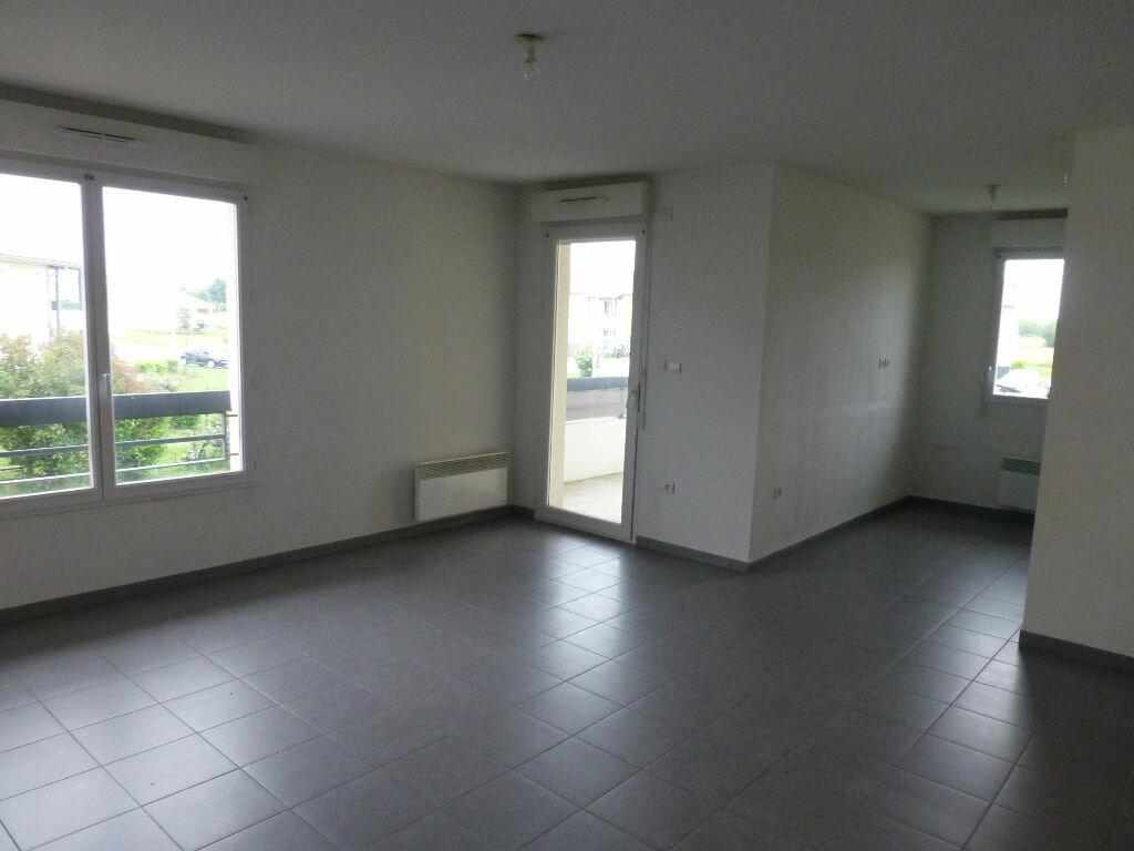 Appartement à louer 3 63.44m2 à Daux vignette-2