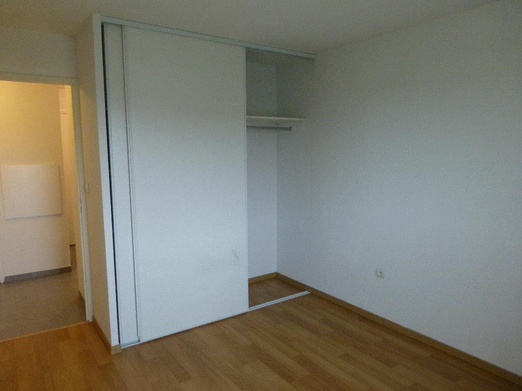 Appartement à louer 3 63.44m2 à Daux vignette-7