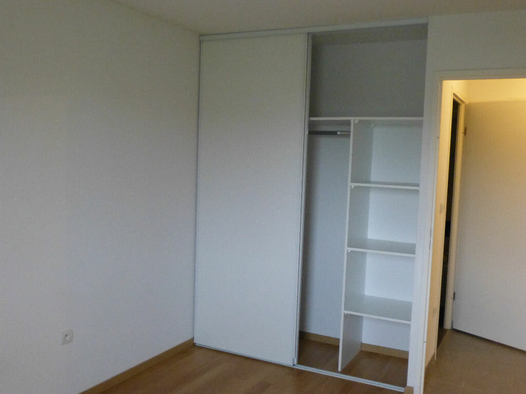 Appartement à louer 3 63.44m2 à Daux vignette-8
