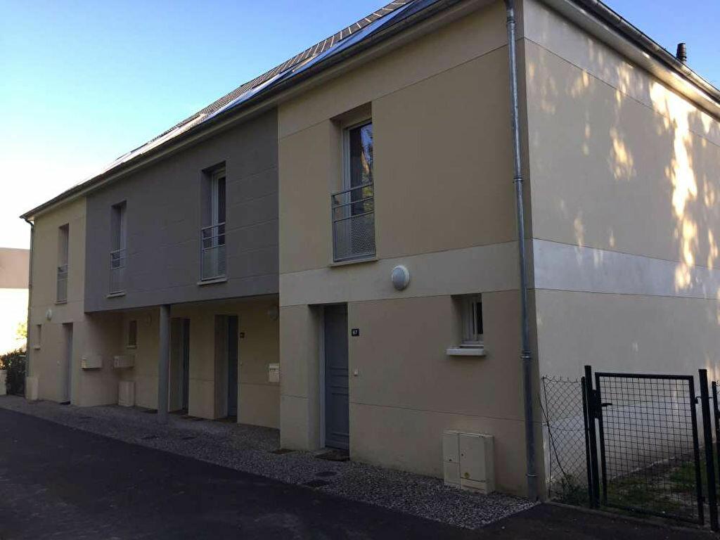 Appartement à louer 3 63.45m2 à Saint-Cyr-en-Val vignette-4