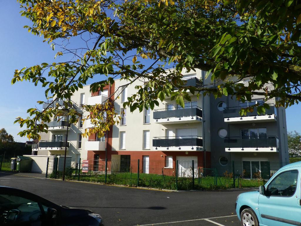 Appartement à louer 2 42.58m2 à Saint-Jean-de-la-Ruelle vignette-1