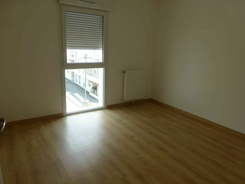 Appartement à louer 2 42.58m2 à Saint-Jean-de-la-Ruelle vignette-5