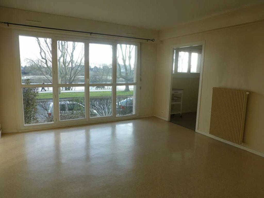Appartement à louer 2 43.99m2 à Orléans vignette-1