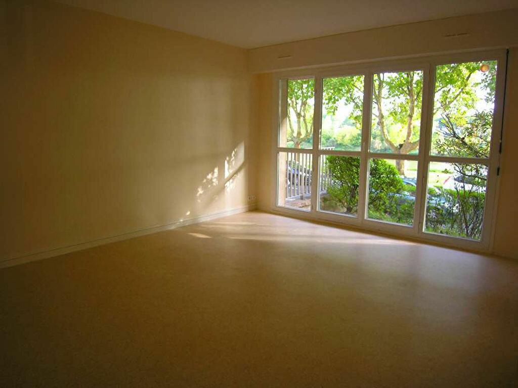 Appartement à louer 2 43.99m2 à Orléans vignette-2
