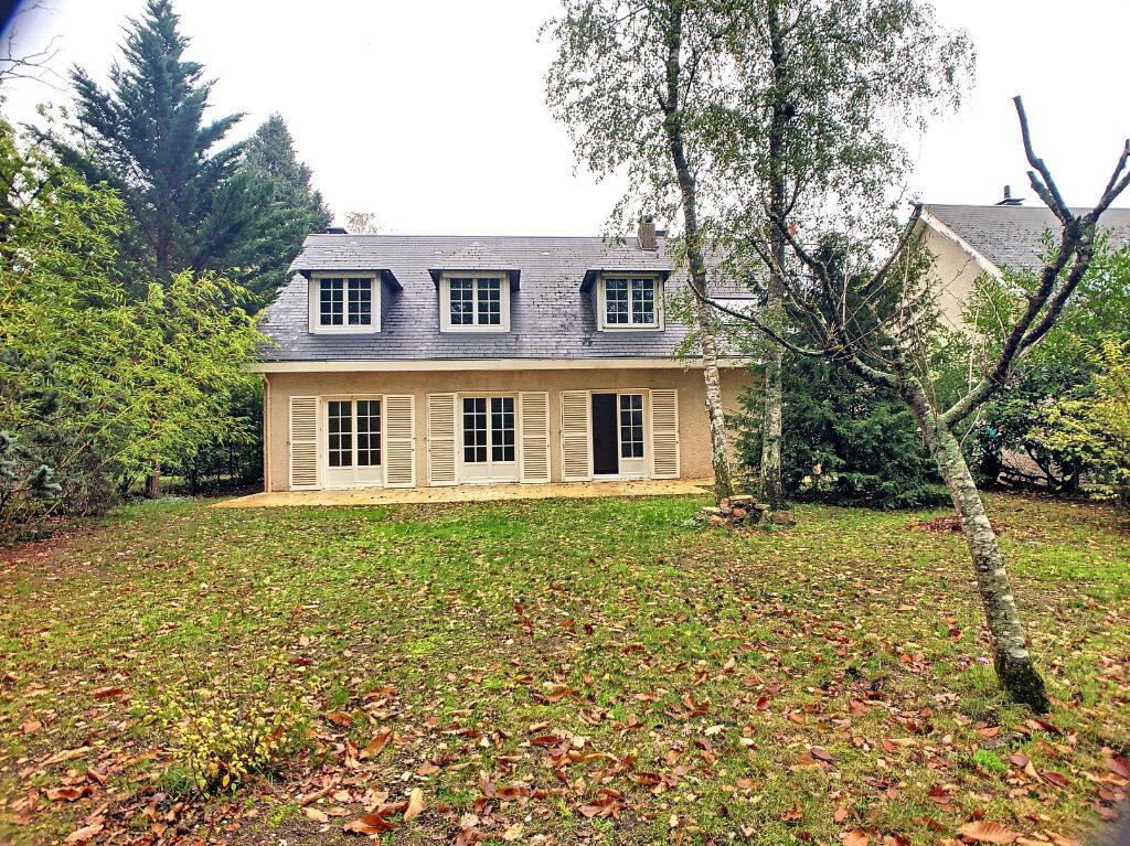 Maison à louer 6 145m2 à Orléans vignette-1