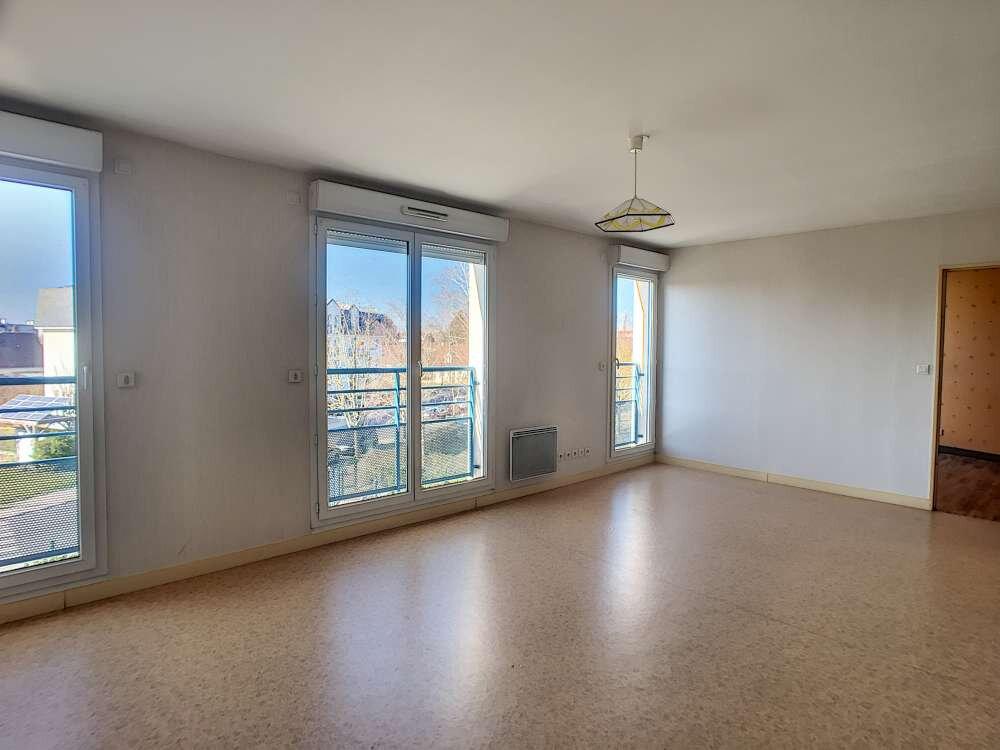 Appartement à louer 2 51.9m2 à Saint-Jean-le-Blanc vignette-1