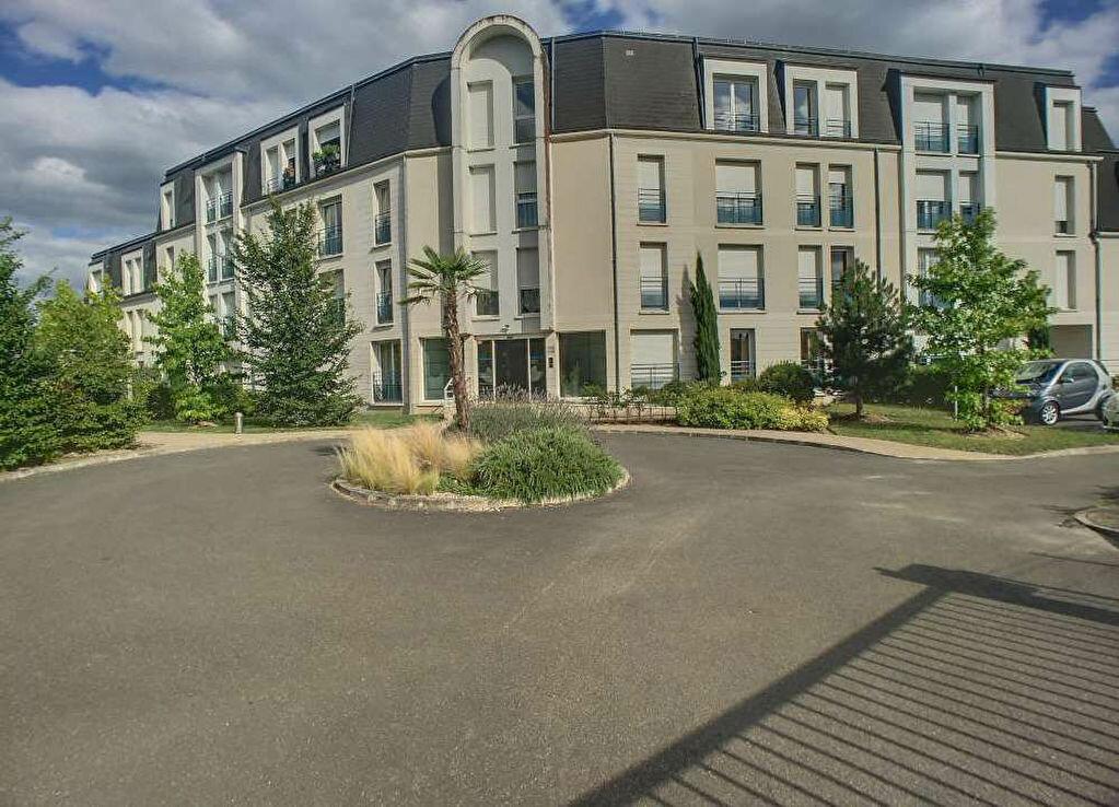 Appartement à louer 2 51.9m2 à Saint-Jean-le-Blanc vignette-2