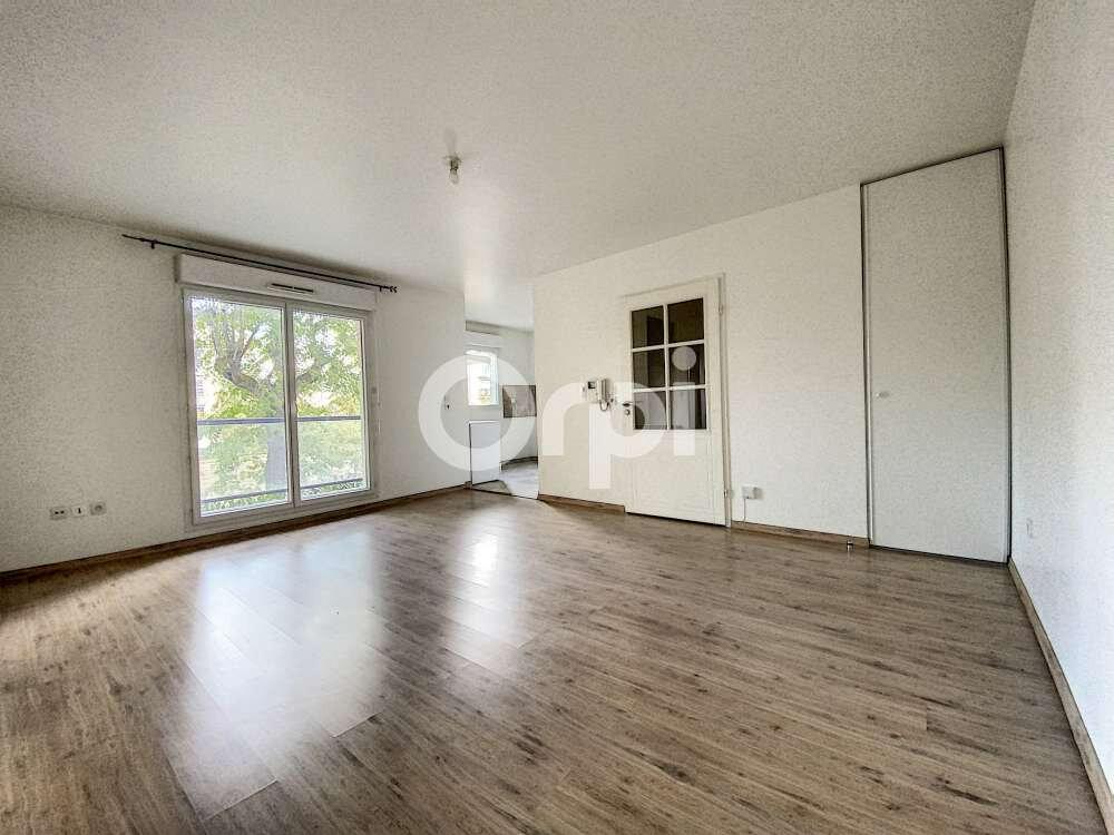 Appartement à louer 3 59.9m2 à Saint-Jean-de-Braye vignette-1