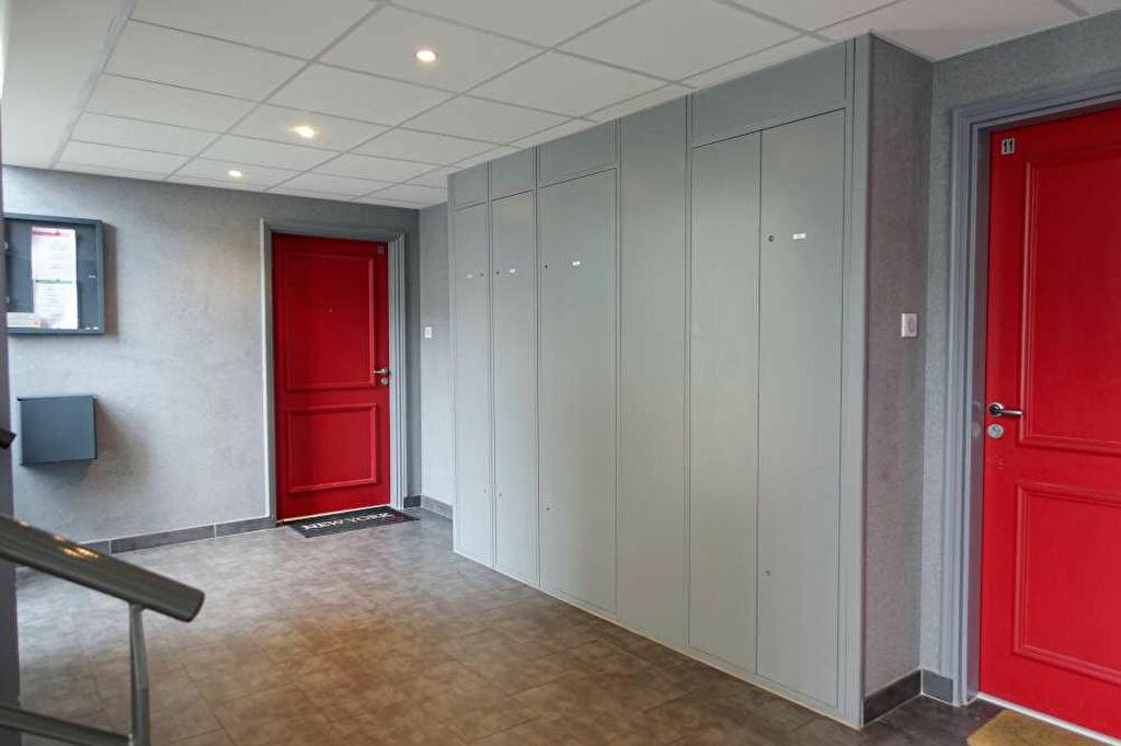 Appartement à louer 3 67.85m2 à Orléans vignette-9
