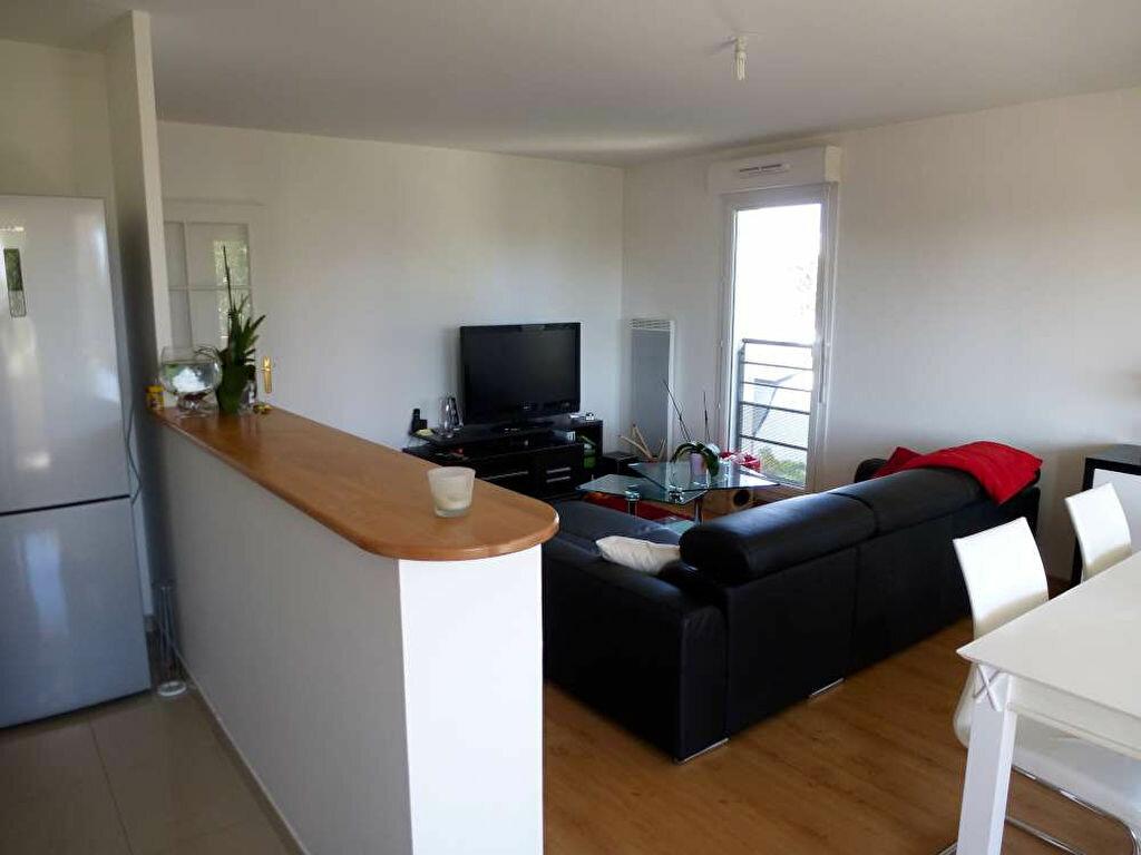 Appartement à louer 3 68.8m2 à Orléans vignette-4