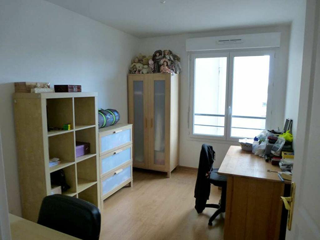 Appartement à louer 3 68.8m2 à Orléans vignette-5