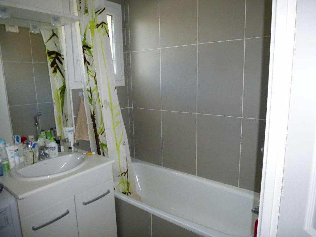 Appartement à louer 3 68.8m2 à Orléans vignette-6