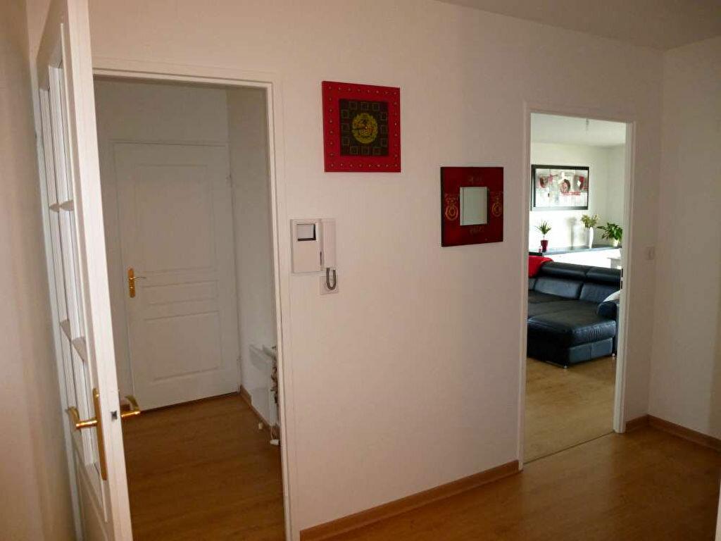 Appartement à louer 3 68.8m2 à Orléans vignette-9