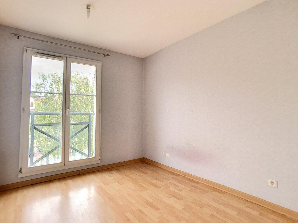Appartement à louer 2 42.9m2 à Étampes vignette-3