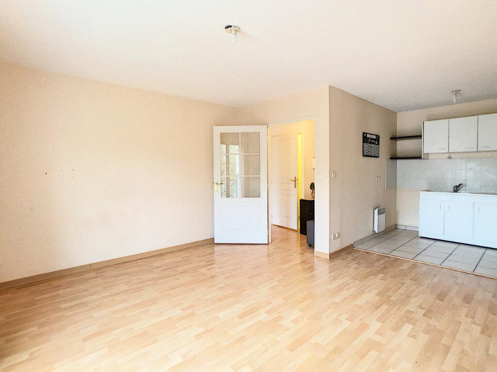 Appartement à louer 2 42.9m2 à Étampes vignette-6