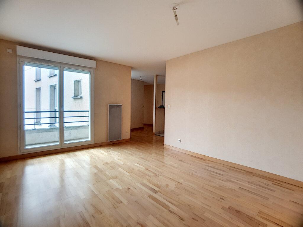 Appartement à louer 2 46.63m2 à Orléans vignette-1