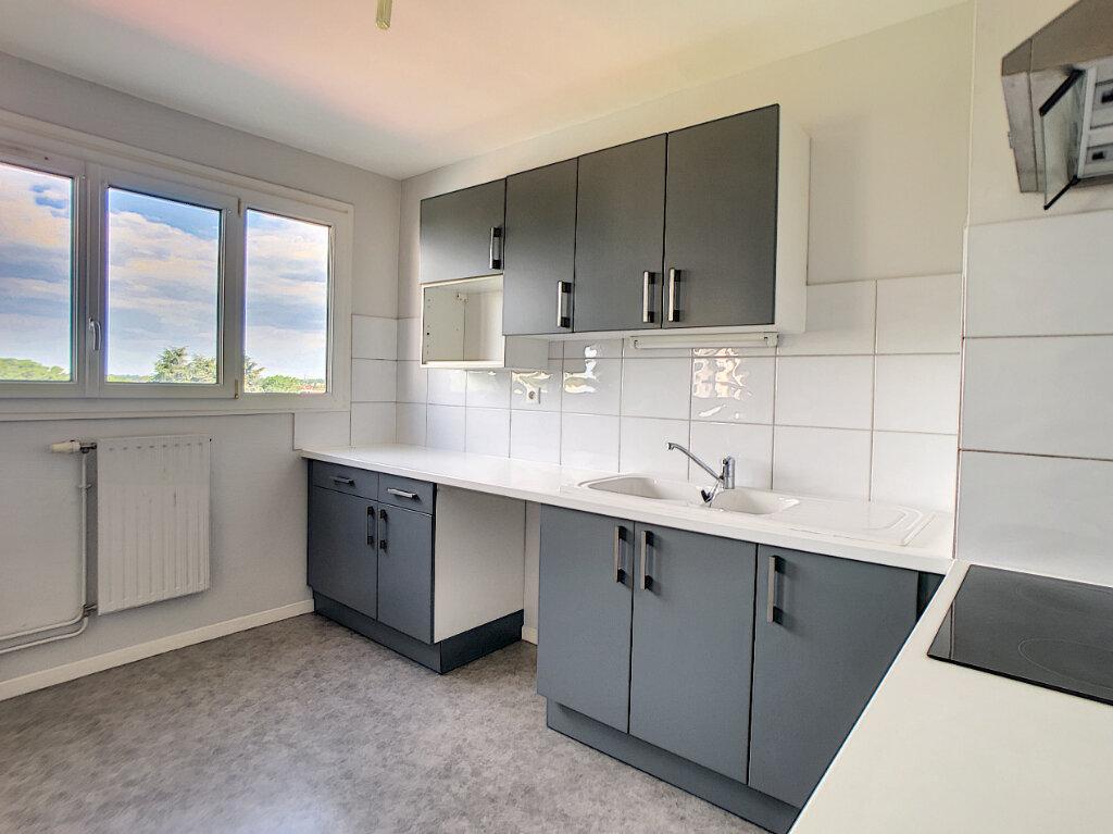 Appartement à louer 2 51.98m2 à Olivet vignette-4