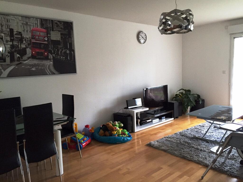 Appartement à louer 3 70.44m2 à Saint-Jean-le-Blanc vignette-1