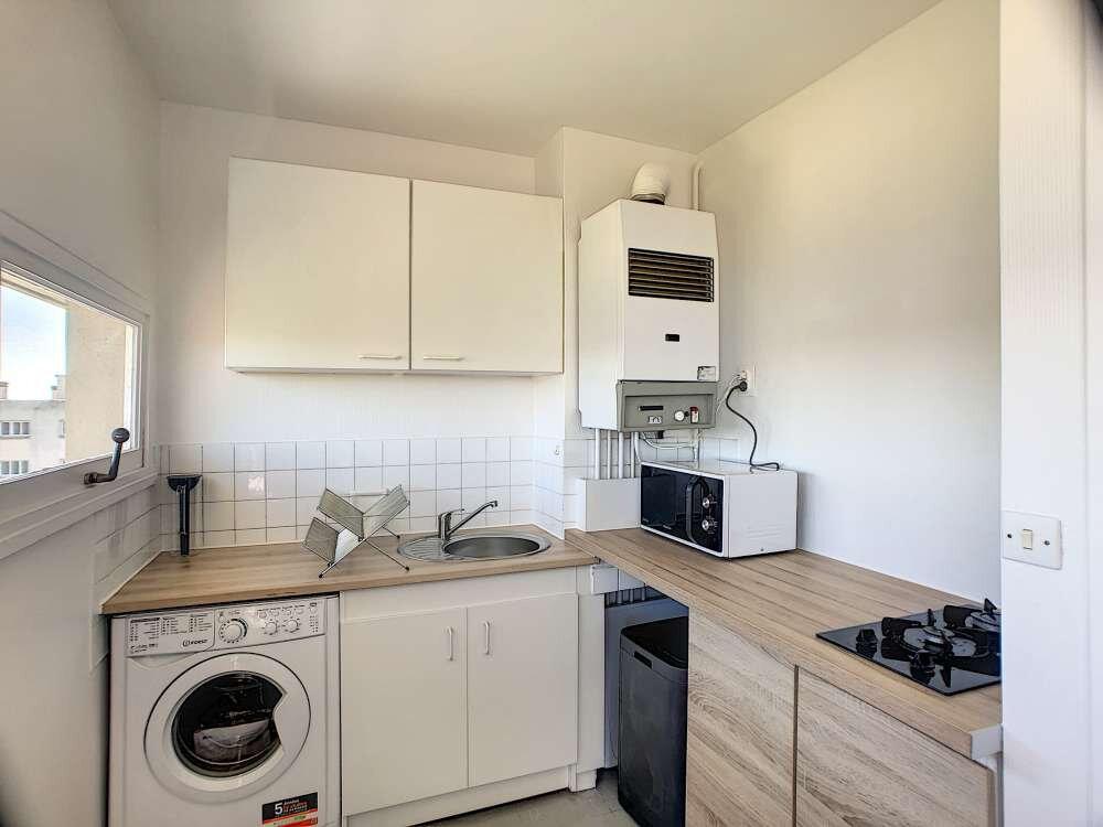 Appartement à louer 1 30m2 à Saint-Pryvé-Saint-Mesmin vignette-2